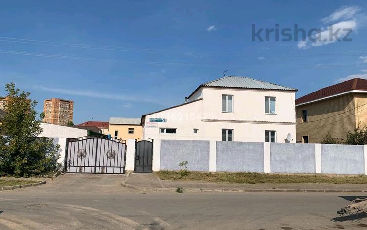 4-комнатный дом, 382 м², 10 сот., Сулутал 5 за 80 млн 〒 в Нур-Султане (Астана), Сарыарка р-н