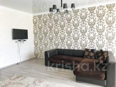 1-комнатная квартира, 50 м², 5/25 этаж посуточно, 11 мкр 112 В за 8 000 〒 в Актобе