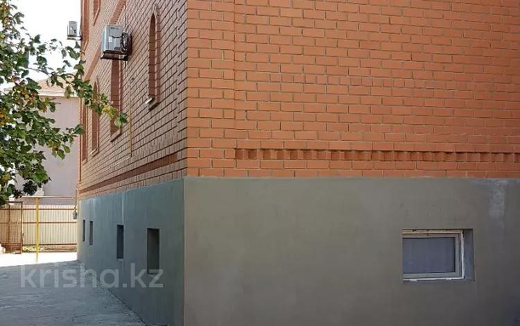 11-комнатный дом, 540 м², 10 сот., ул К.Тулекова за ~ 70 млн 〒 в Атырау