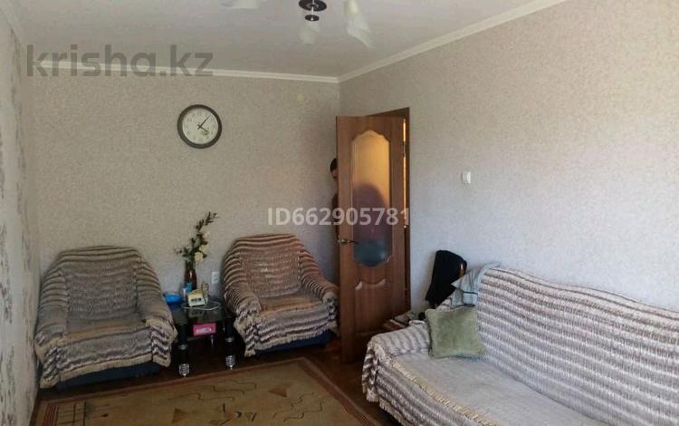 2-комнатная квартира, 45 м², 1/5 этаж, 9 ая площадка восточный мкр. 19 за 13.2 млн 〒 в Талдыкоргане