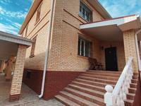 7-комнатный дом помесячно, 370 м², 10 сот., Муканова за 1.2 млн 〒 в Караганде, Казыбек би р-н