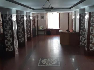 Здание, площадью 1445 м², Омарова 8 за 85.1 млн 〒 в Жезказгане — фото 7