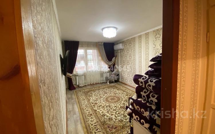 2-комнатная квартира, 50 м², 3/5 этаж, 16-й микрорайон, 16-й микрорайон 43а за 15.5 млн 〒 в Шымкенте, Енбекшинский р-н