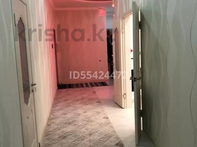 2-комнатная квартира, 102 м², 1/5 этаж, проспект Тауелсиздик 16 за 24 млн 〒 в Актобе, мкр. Батыс-2 — фото 6