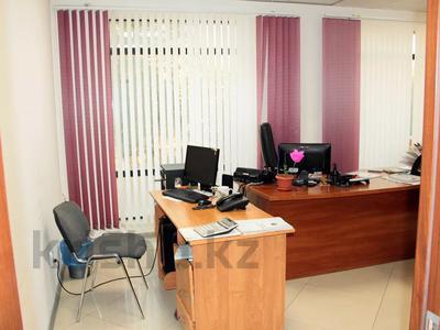 Офис площадью 402.5 м², Маресьева 105 — Сатпаева за 3 000 〒 в Актобе, Новый город — фото 7