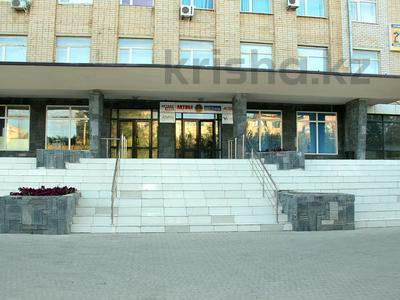 Офис площадью 402.5 м², Маресьева 105 — Сатпаева за 3 000 〒 в Актобе, Новый город — фото 2