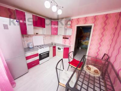 2-комнатная квартира, 56 м², 5/5 этаж посуточно, Ауэзова 161 — Абая за 9 000 〒 в Петропавловске — фото 6