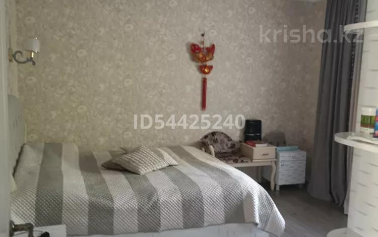 4-комнатный дом, 190 м², 6 сот., Аскарова 32/5 — проспект Аль-Фараби за 89.7 млн 〒 в Алматы, Бостандыкский р-н