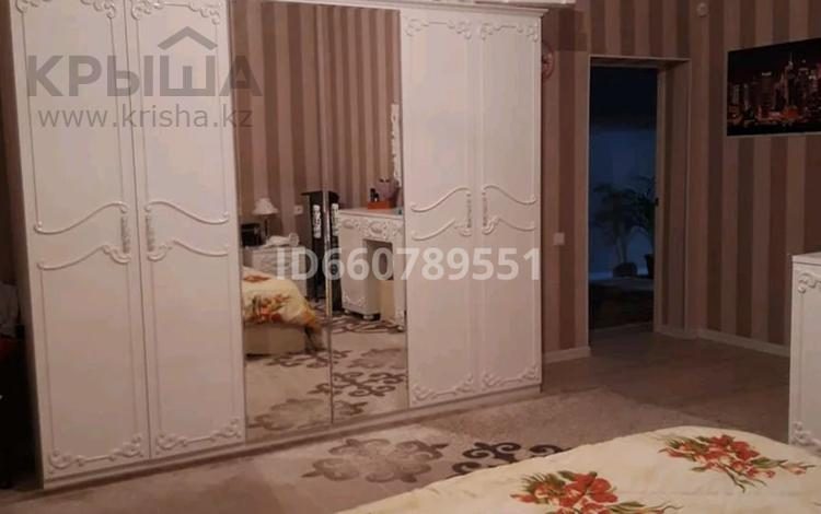 5-комнатный дом, 180 м², 10 сот., мкр Нурсат 174 — Саяхат за ~ 56.8 млн 〒 в Шымкенте, Каратауский р-н
