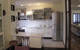 5-комнатная квартира, 280 м², 5/5 этаж помесячно, Ходжанова 10 за 1 млн 〒 в Алматы, Бостандыкский р-н