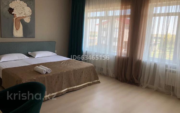 7-комнатный дом, 450 м², 10 сот., мкр Малый Самал за 115 млн 〒 в Шымкенте, Аль-Фарабийский р-н