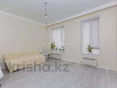 2-комнатная квартира, 64 м², 9/10 этаж, К. Мухамедханова 12 за 28.5 млн 〒 в Нур-Султане (Астана), Есиль р-н