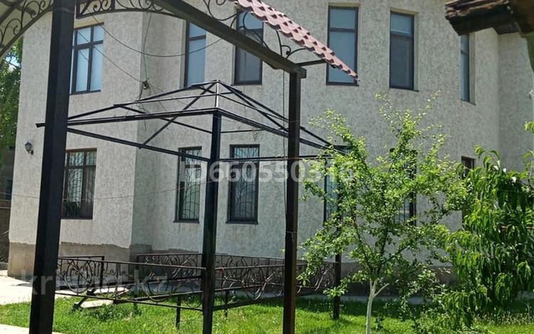 6-комнатный дом, 270 м², 10 сот., Академгородок 318 за 65 млн 〒 в Шымкенте, Каратауский р-н
