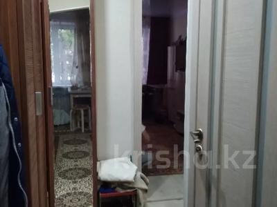 2-комнатная квартира, 42 м², 1/5 этаж, Таха Хусейна 13 за 15 млн 〒 в Нур-Султане (Астана), р-н Байконур — фото 8
