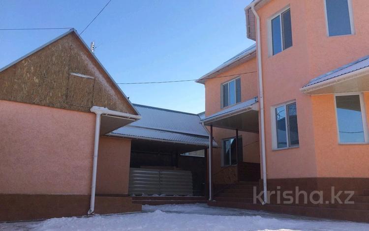 6-комнатный дом помесячно, 210 м², 10 сот., Самал-1 47 за 350 000 〒 в Шымкенте