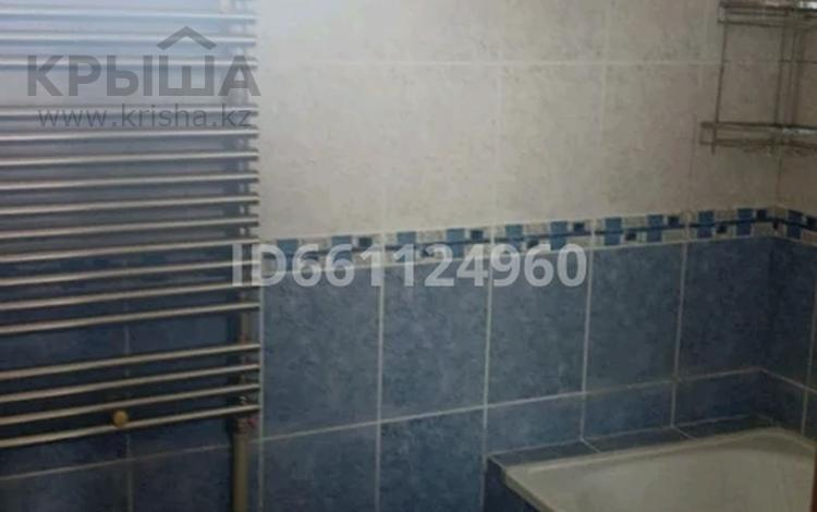 3-комнатная квартира, 56 м², 4/4 этаж помесячно, улица Кошеней 78 — Абая за 60 000 〒 в Таразе