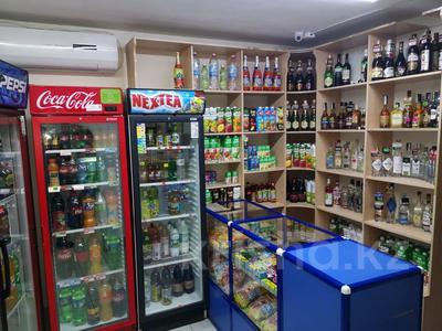 Магазин площадью 70 м², 6 микрорайон 24 за 18 млн 〒 в Уральске — фото 4