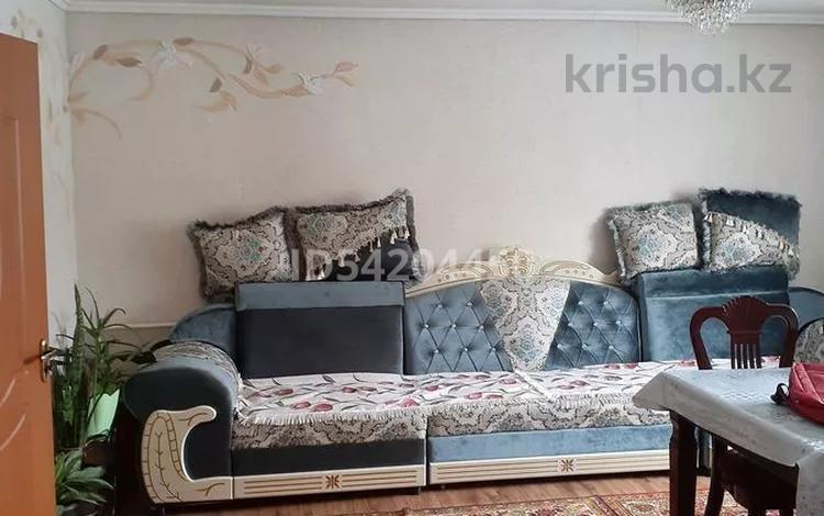 4-комнатный дом, 100 м², 3 сот., Кондратовича 16 — Богатырская за 30 млн 〒 в Алматы, Турксибский р-н