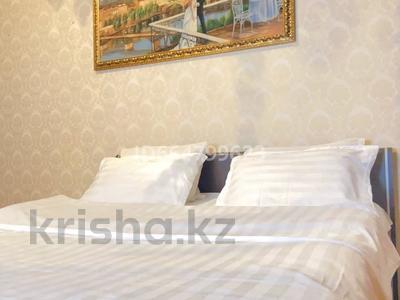 2-комнатная квартира, 90 м², 2/12 этаж посуточно, Курмангазы 145 за 16 008 〒 в Алматы, Алмалинский р-н