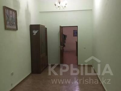 Офис площадью 300 м², Туркестнаская 67 — Казыбек би за 400 000 〒 в Шымкенте, Аль-Фарабийский р-н — фото 7