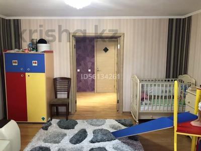 3-комнатная квартира, 93 м², 3/5 этаж, Кенесары 84 за 25.2 млн 〒 в Нур-Султане (Астана), р-н Байконур — фото 3