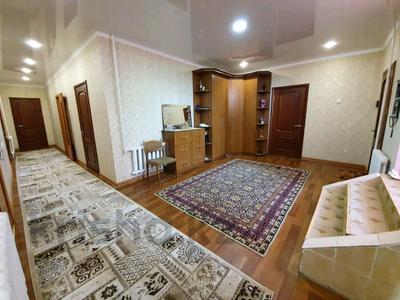 6-комнатный дом, 370 м², 9 сот., Кунгей за 33 млн 〒 в Караганде, Казыбек би р-н