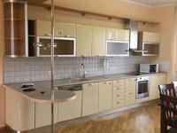 3-комнатная квартира, 135 м², 4/6 этаж помесячно