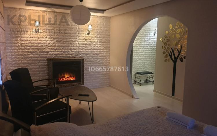 1-комнатная квартира, 30 м², 5/5 этаж посуточно, мкр Новый Город, Алиханова 32 за 11 000 〒 в Караганде, Казыбек би р-н