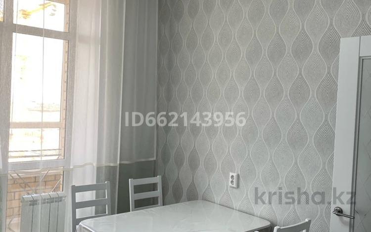 1-комнатная квартира, 40 м², 5/9 этаж посуточно, Е-755 3 — Туран за 10 000 〒 в Нур-Султане (Астана), Есиль р-н