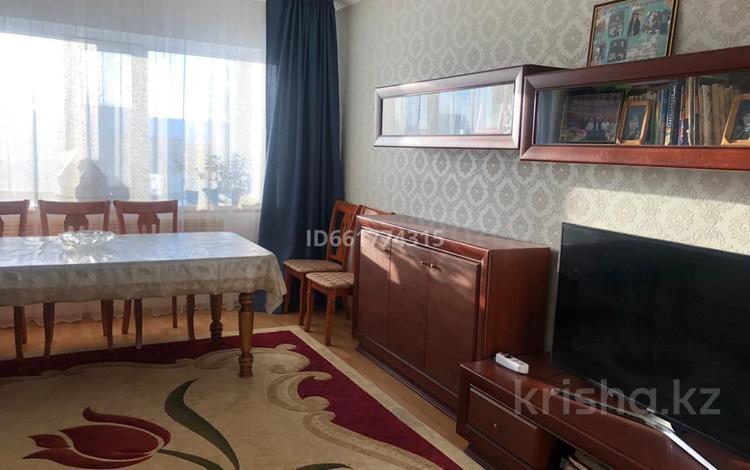 2-комнатная квартира, 72.7 м², 3/9 этаж, Алиханова 24/5 за 28 млн 〒 в Караганде, Казыбек би р-н