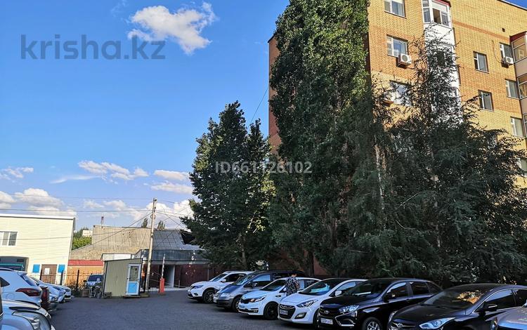 2-комнатная квартира, 80 м², 2/6 этаж посуточно, Алии Молдагуловой 3 — Достык за 8 000 〒 в Уральске