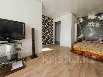 1-комнатная квартира, 33 м², 3/5 этаж посуточно, Жамбыл Жабаева 137 — Букетова за 6 500 〒 в Петропавловске — фото 2