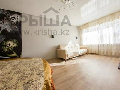 1-комнатная квартира, 33 м², 3/5 этаж посуточно, Жамбыл Жабаева 137 — Букетова за 6 500 〒 в Петропавловске — фото 4