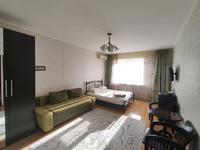 1-комнатная квартира, 65 м², 2/5 этаж посуточно, улица Махамбета Утемисова 116Г за 12 000 〒 в Атырау