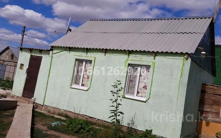 2-комнатный дом, 75 м², 6 сот., Акжайык 40 за 7 млн 〒 в Уральске