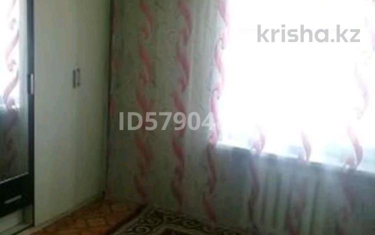 2-комнатная квартира, 40 м², 5/5 этаж, Шевченко 36 за 4.6 млн 〒 в Актобе, Старый город