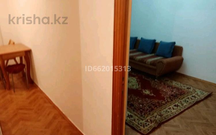 1-комнатная квартира, 42 м², 2/5 этаж посуточно, Республика 3 — Бараева за 6 000 〒 в Нур-Султане (Астана), Алматы р-н