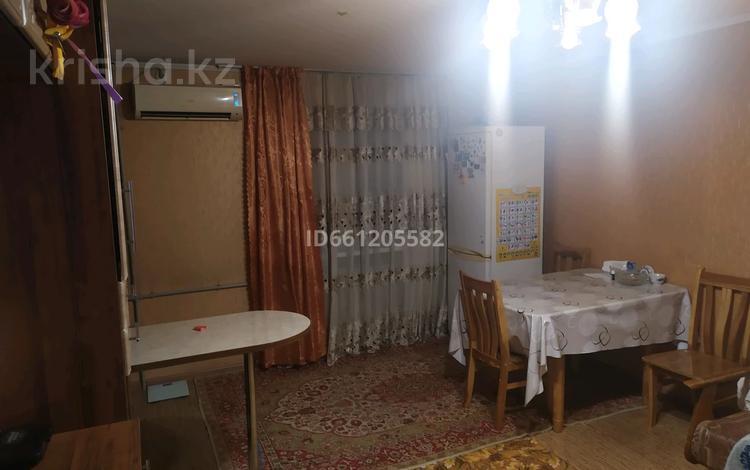 3-комнатная квартира, 57 м², 3/4 этаж, улица Аскарова 3 за 23 млн 〒 в Шымкенте