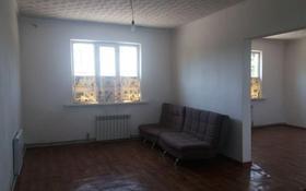 2-комнатный дом помесячно, 70 м², 3 сот., Мкр Акбулак 22 — Алтайбаева за 80 000 〒 в Алматы
