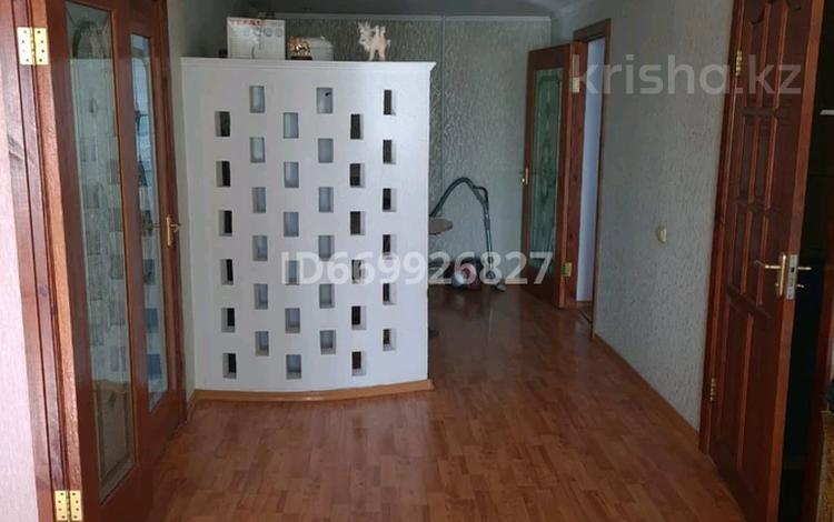 4-комнатная квартира, 86 м², 4/9 этаж, проспект Шакарима 40 — Валиханова за 26.7 млн 〒 в Семее