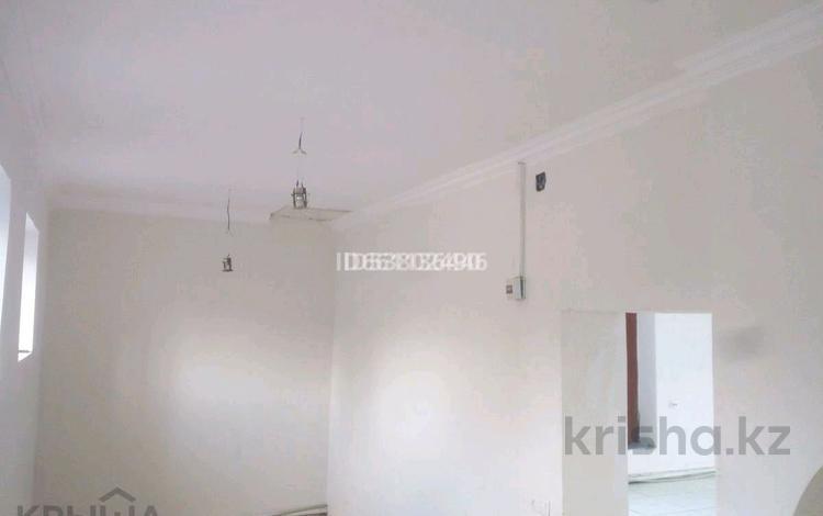 Здание, площадью 380 м², Чехова 55 — Кабанбая за 66 млн 〒 в Семее