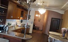 4-комнатная квартира, 110 м², 1/9 этаж, Лободы 27/2 за 47.7 млн 〒 в Караганде, Казыбек би р-н