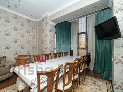 3-комнатная квартира, 98 м², 2/4 этаж, мкр Мамыр-4 за ~ 34.8 млн 〒 в Алматы, Ауэзовский р-н