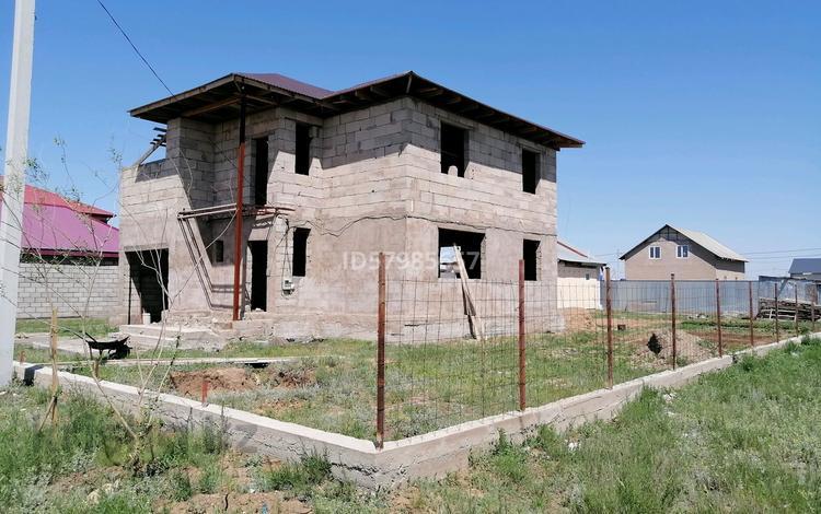 7-комнатный дом, 200 м², 10 сот., Кеңес Акишев көшесі 48 за 30 млн 〒 в Катарколе