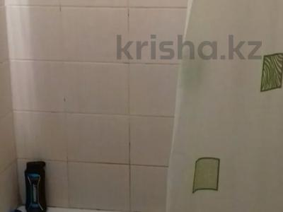 1-комнатная квартира, 40 м², 1/9 этаж по часам, Ауэзова 42 за 750 〒 в Семее — фото 3
