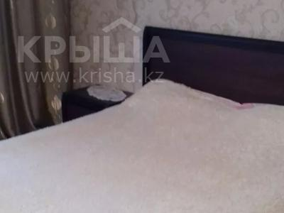 1-комнатная квартира, 40 м², 1/9 этаж по часам, Ауэзова 42 за 750 〒 в Семее