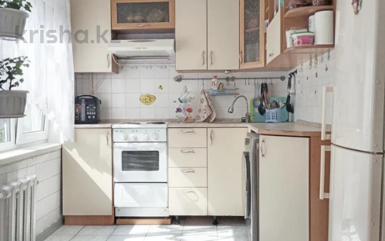 3-комнатная квартира, 60 м², 5/5 этаж, Михаэлиса 17 за 15.6 млн 〒 в Усть-Каменогорске