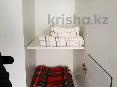 2-комнатная квартира, 60 м², 1 этаж посуточно, 4 микрорайон 31 за 10 000 〒 в Уральске — фото 4