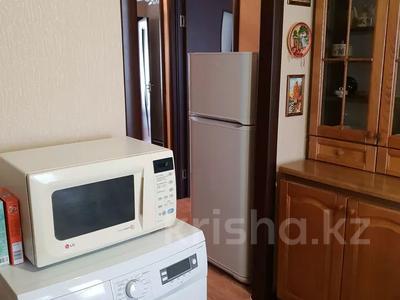 2-комнатная квартира, 60 м², 1 этаж посуточно, 4 микрорайон 31 за 10 000 〒 в Уральске — фото 5