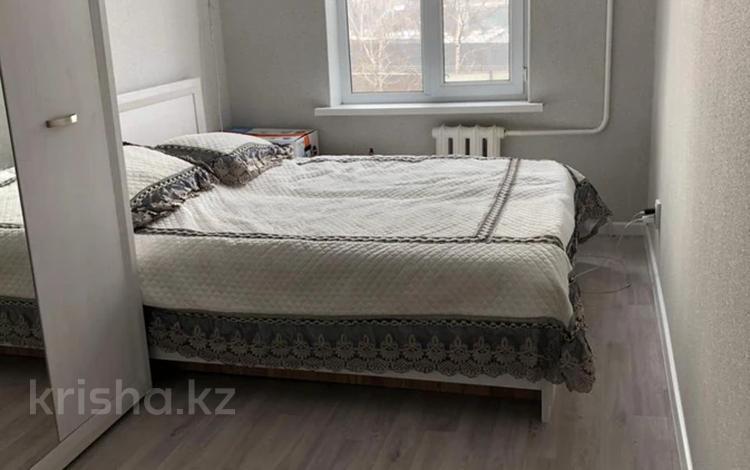 2-комнатная квартира, 43 м², 2/5 этаж, мкр №6, Мкр №6 за 20.5 млн 〒 в Алматы, Ауэзовский р-н